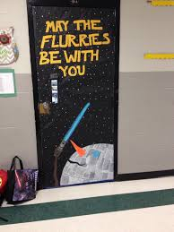 Christmas Decoration For A Classroom by Best 25 Christmas Door Decorations Ideas On Pinterest Christmas