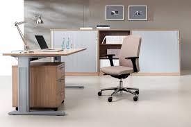 Schreibtisch 60 Cm Tief Expert Schreibtisch Mit C Fuß Gestell Und Kabelkanal Rechteckig