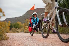 siege velo a partir de quel age a quel âge transporter un enfant dans une remorque vélo