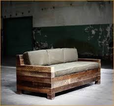 fabriquer un canapé fabriquer un canapé chesterfield à vendre le fauteuil en palette