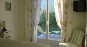 chambres d hotes meschers sur gironde chambres d hôtes les roses trémières book bed breakfast