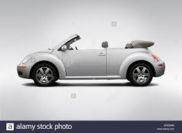 volkswagen new beetle 2006 volkswagen new beetle convertible 2 5 in silver drivers