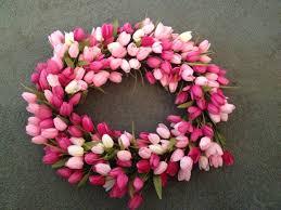 Tulip Wreath Tulip Wreath Tutorial A Three Hat Day