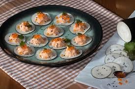 cuisiner du radis noir recette de bouchées de radis noir aux rillettes de saumon