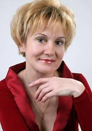 short hairstyles for women over 50 with thick hair medium layered hairstyles for long thick hair trendy black