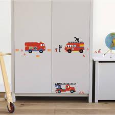 chambre enfant pompier sticker camion de pompiers 24 cm x 36 cm leroy merlin
