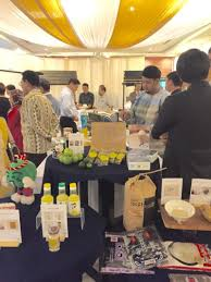 Teh Yuzu yuzu yuzu yuzu halal food fair made by singaporean chef using