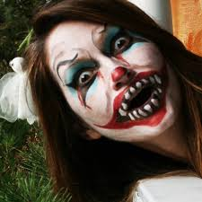 Halloween Makeup Clown Faces by Clown Face Paint This Time With Less Pointed Teeth Which Oddly