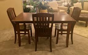 amish table and chairs amish table 4 chairs mooradians