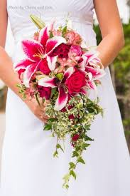bridal bouquet ideas 40 diy beautiful cascading wedding bouquet ideas oosile
