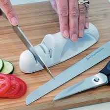 How To Sharpen Kitchen Knives by To Use A Ceramic Knife Sharpener U2014 Home Design Stylinghome Design