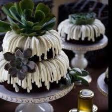 nothing bundt cakes wedding cake strawberry farms wedding irvine