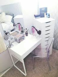 Diy Makeup Vanity Chair 13 Fun Diy Makeup Organizer Ideas For Proper Storage Diy