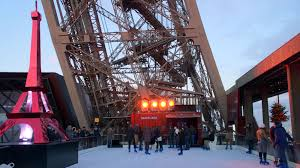 the ice rink returns to the 1st floor of the eiffel tower