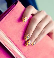 diy cool manicure for summer pop art polka dot