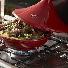 cuisiner avec un tajine en terre cuite emile henry tajine ø 32 cm 6 8 personnes grand cru