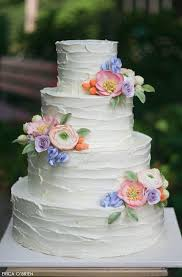 wedding cake icing best 25 wedding cake icing ideas on best white cake