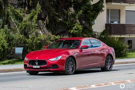 red maserati sedan maserati ghibli s q4 2013 28 september 2017 autogespot