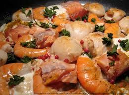 cuisiner des coquilles jacques surgel馥s poêlée de la mer noix de st jacques saumon et crevettes les