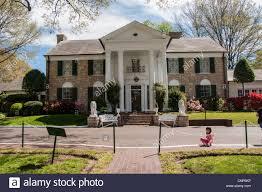 graceland elvis presley u0027s home and museum at graceland memphis usa stock