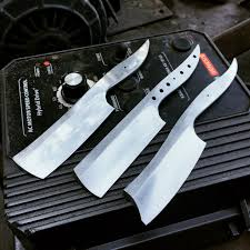 i m 19 and make knives 1 year update album on imgur my latest project is straight razors i m hoping to finish my first one up in the next week or two would anyone be interested in a wip tutorial post on how