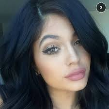 kylie jenner reveals the exact way she makes her lips look plump