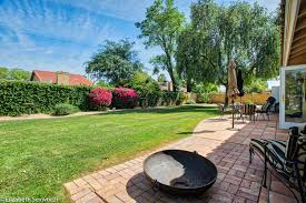 3 2 homenorth scottsdale desert oasis 3br 2ba yard grass pets
