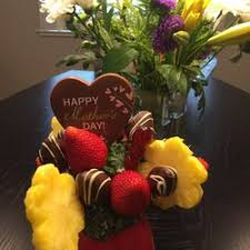 fruit arrangements delivered edible arrangements 18 photos 74 reviews gift shops 390 el