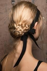 cuisiner des chignons en boite 1001 variantes de coiffure mariage invitée chic et romantique