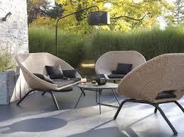 canapé jardin aménager un salon de jardin chic à prix doux joli place