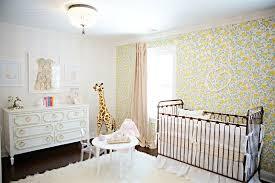 chambre bébé papier peint papier peint chambre bebe b fille id es de d co et am nagement