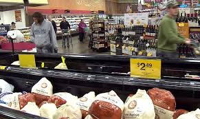 last minute shoppers get ready for thanksgiving