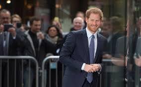 Meghan Markle And Prince Harry Finally The First Photograph Of Prince Harry And Meghan Markle As
