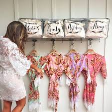 what of gifts to give at a bridal shower best 25 wedding bridesmaids gifts ideas on brides