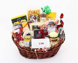 custom gift basket build custom gift basket company gift baskets family gift