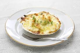 cuisine coquille st jacques coquilles jacques gratin scallop cuisine stock photo