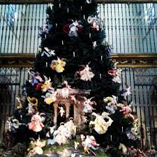 the metropolitan museum of art christmas tree u0026 neapolitan