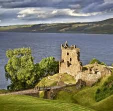 Esszimmertisch Tr Fel Loch Ness In Schottland 25 Jahre Auf Der Suche Nach Nessie Welt