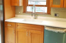 what color quartz goes with maple cabinets our services 3