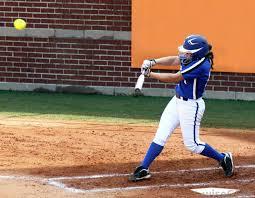 hot softball bats the differences between baseball and softball bats bats