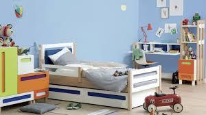 deco chambre voiture chambre garcon voiture bleu idées décoration intérieure farik us