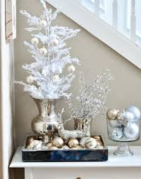 christmas decor in the home 44 refined gold and white christmas décor ideas digsdigs