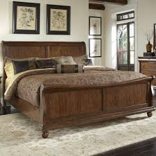 sleigh bedroom set liberty furniture rustic traditions queen sleigh bed set with bun
