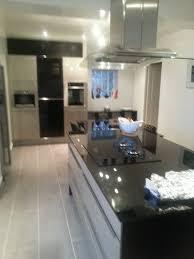 cuisine avec fenetre meuble îlot central 8 indogate cuisine en l avec ilot et fenetre