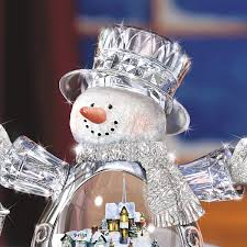 amazon com thomas kinkade crystal snowman figurine featuring