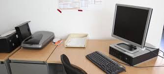 bureau des statistiques en moyenne le tunisien est absent du bureau 16 8 jours par an