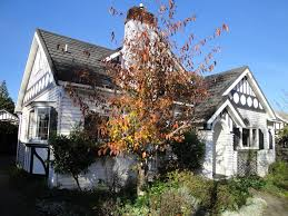 guesthouse english tudor house hamilton new zealand booking com