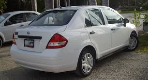 white nissan 2012 file nissan tiida rear jpg wikimedia commons