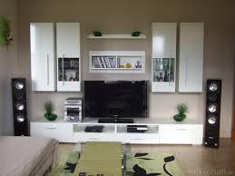 Wohnzimmer Quelle Wohnzimmer Gestaltung Grau Wandfarbe Hellgraues Sofa Weie Regale