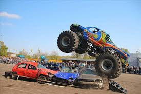 bigfoot monster truck youtube youtube bigfoot crashing another car extreme bigfoot monster truck